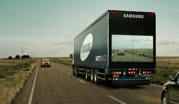 Transparent Truck - Samsung