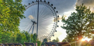 Acer Rickshaw London Eye